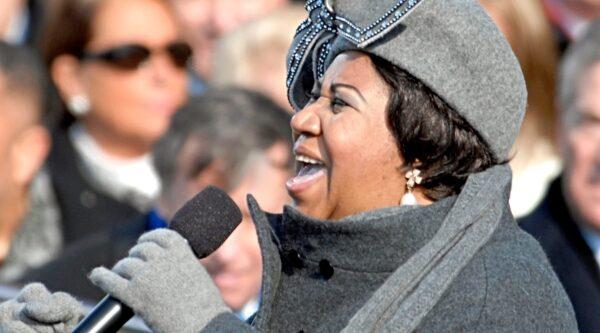 Aretha Frankling singing