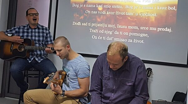 Croatian Baptists leading guitar lessons