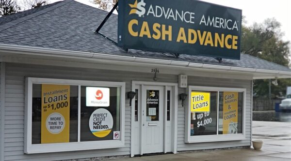 Exterior of payday lending business